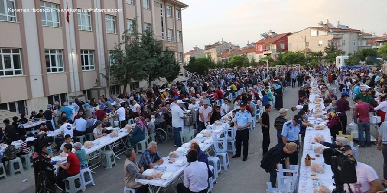 Karaman'da İftar Sofrası Hürriyet Mahallesi'nde Kuruldu