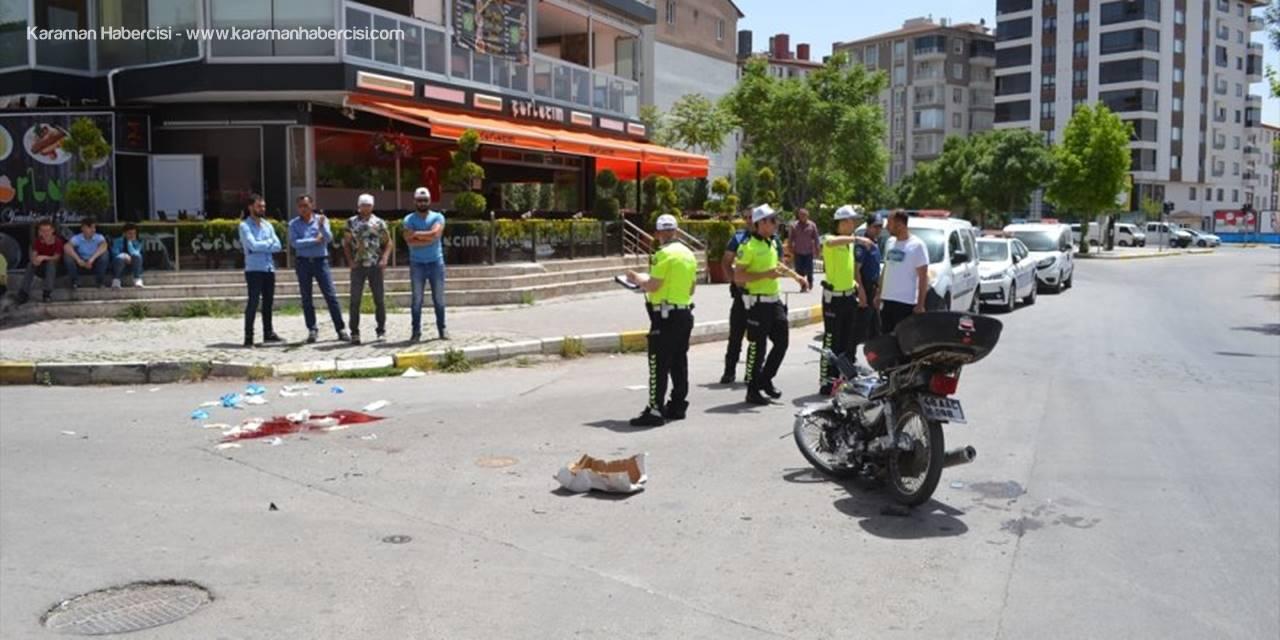 Aksaray'da Hafif Ticari Araç İle Motosiklet Çarpıştı: 1 Ölü