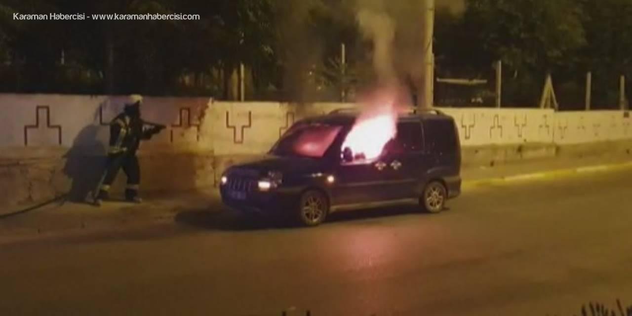 Karaman'da Gece Yarısı Yanan Araç Korkuttu