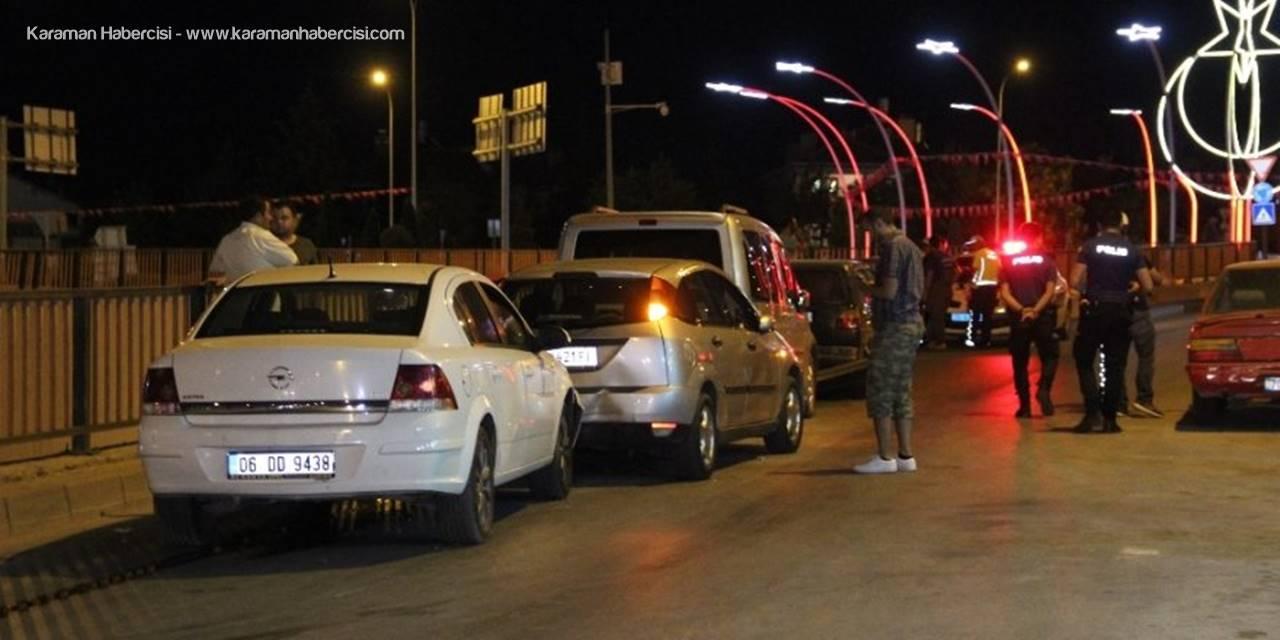 Karaman'da Köprülü Kavşakta Araçlar Birbirine Girdi