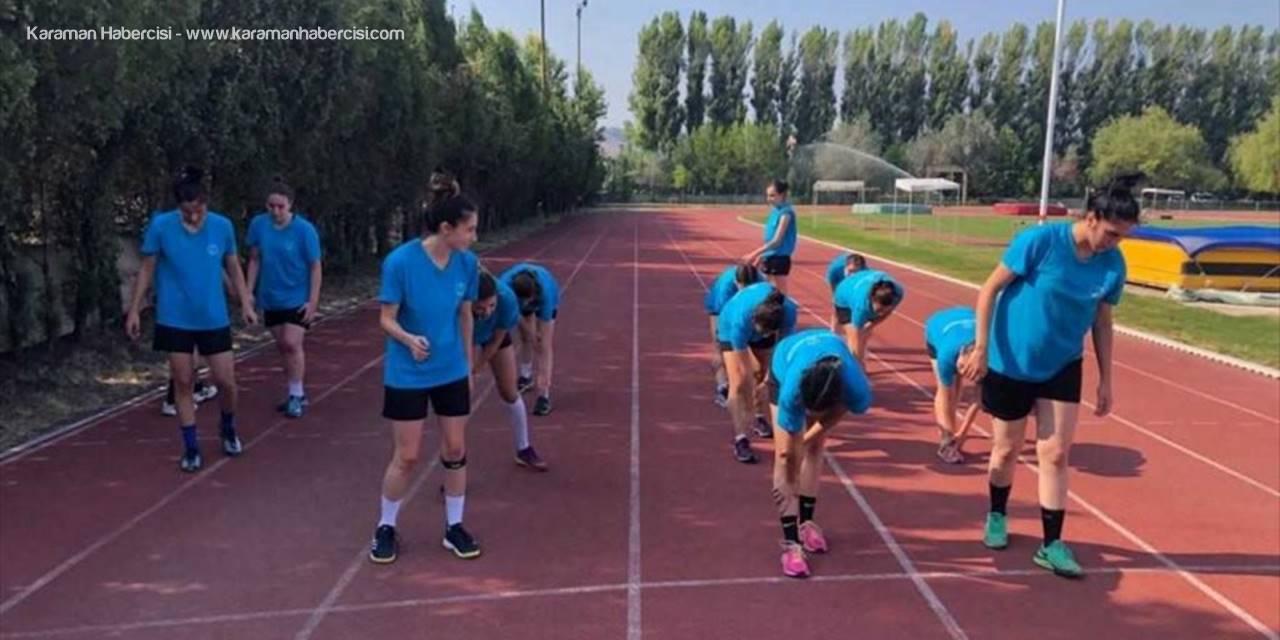Anadolu Üniversitesinin Kadın Hentbolcuları Yeni Sezona Hazırlanıyor