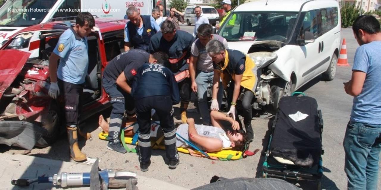 Mut'ta Trafik Kazası: 1'i Ağır 5 Yaralı