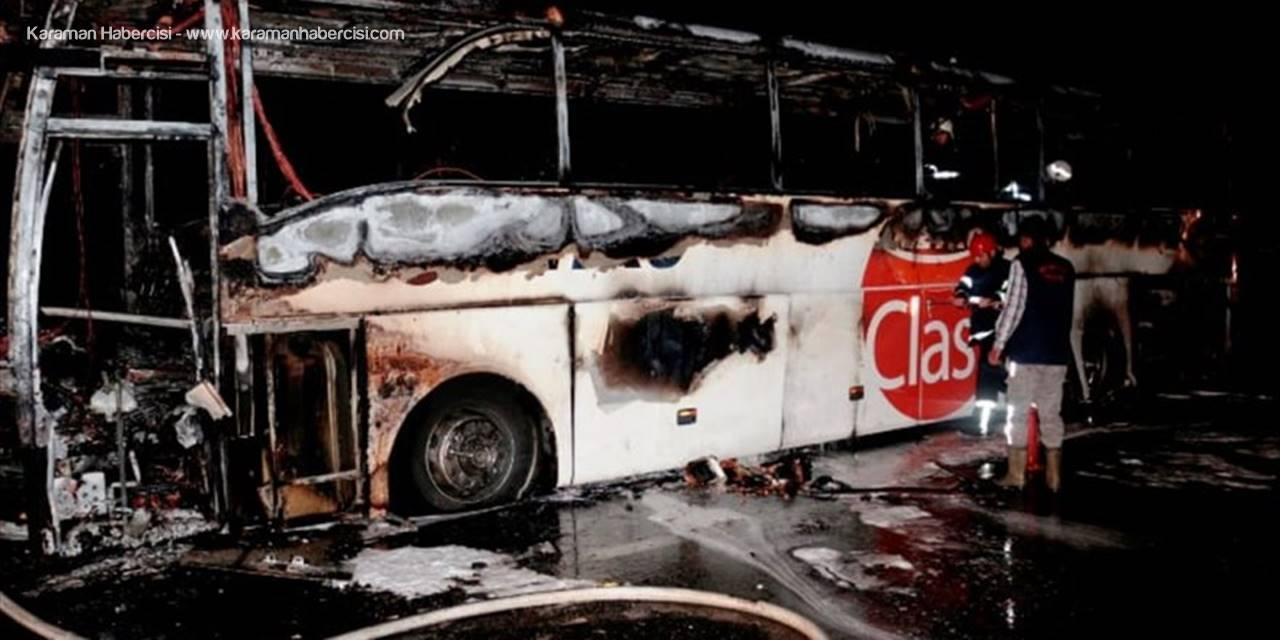 Aksaray'da Yolcu Otobüsü Yandı