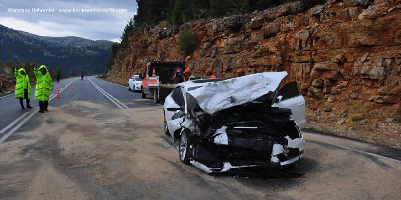 Güncelleme - Antalya'da İki Otomobil Çarpıştı: 4 Ölü, 2 Yaralı