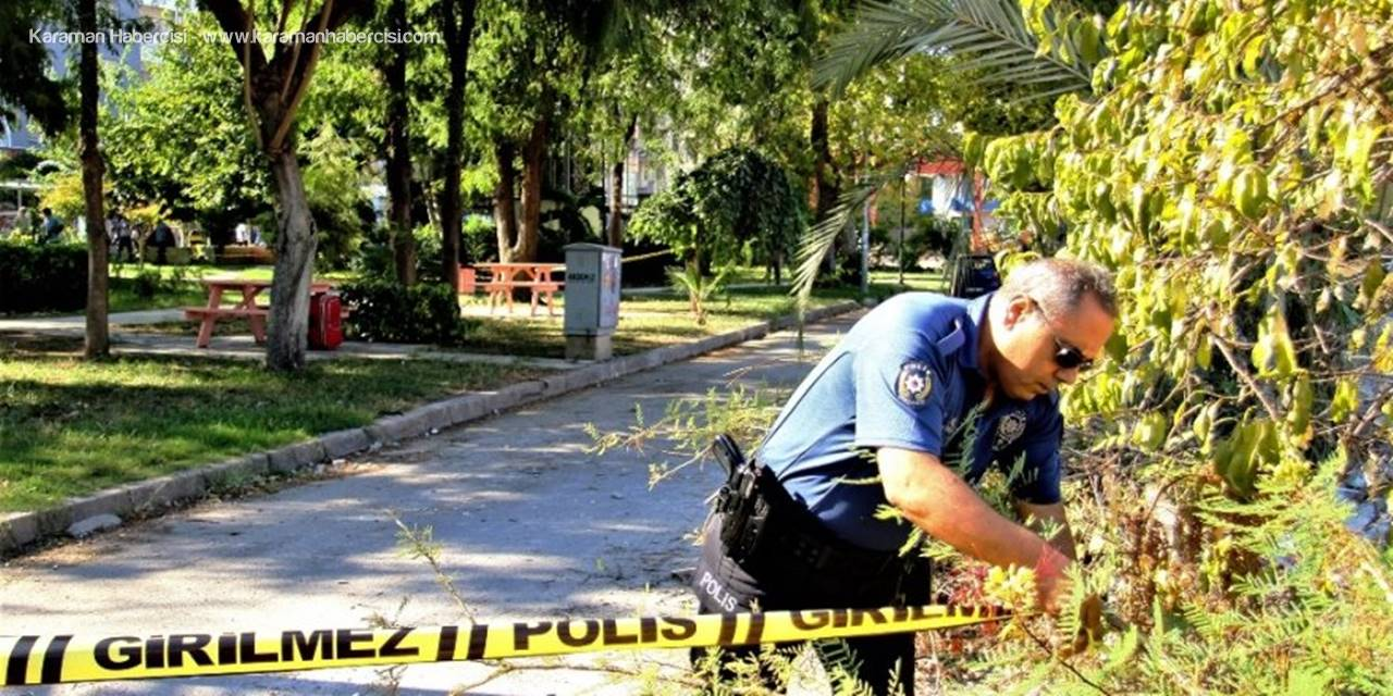 Antalya'da İlçe Emniyet Müdürlüğü Karşısındaki Parkta Unutulan Bir Valiz Polisi Alarma Geçirdi