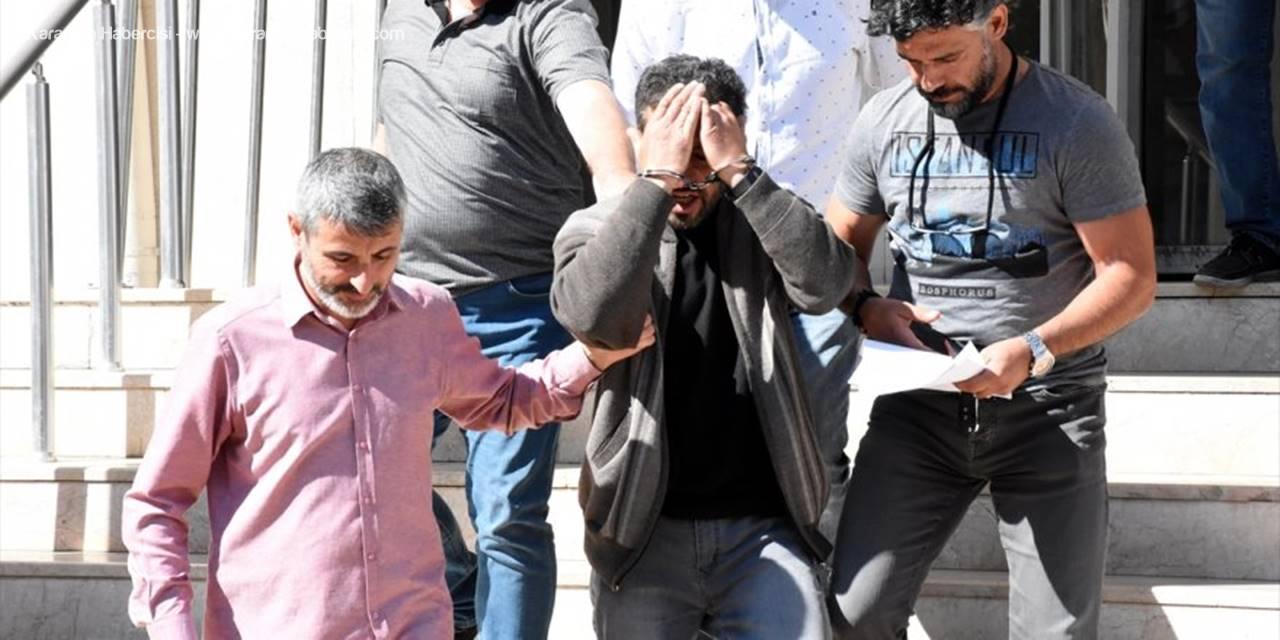 Polise Yakalanmamak İçin Evine Kadın Kılığında Girip Çıkmış