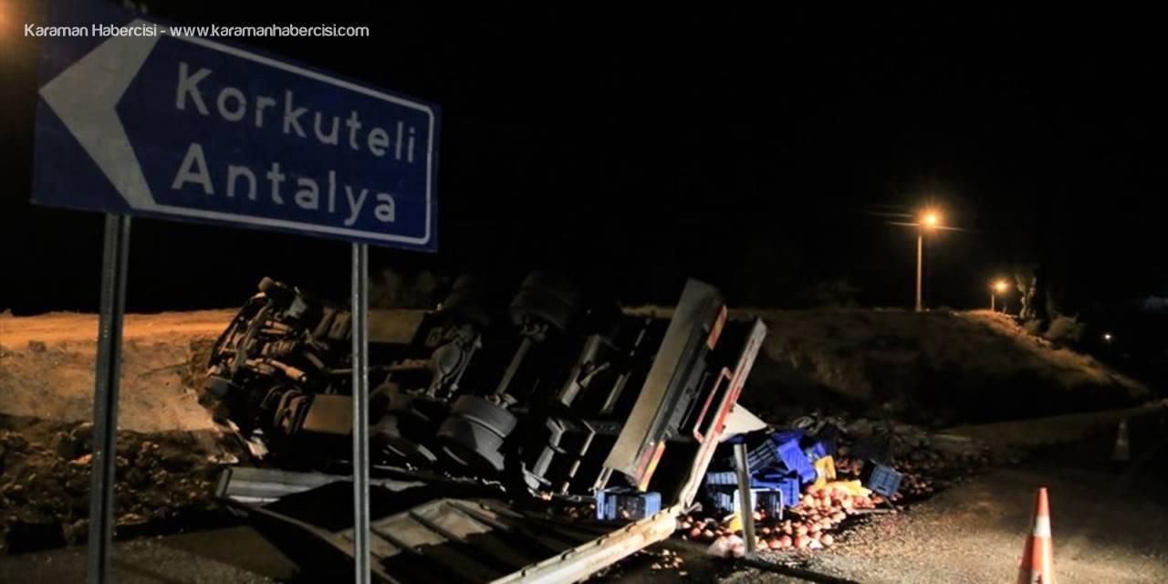 Antalya'da Nar Yüklü Kamyon Devrildi: 3 Ölü