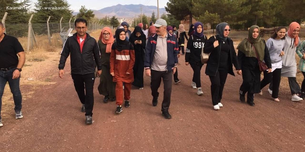 Karaman Valisi Fahri Meral Öğrencilerle Sabah Yürüyüşü Yaptı