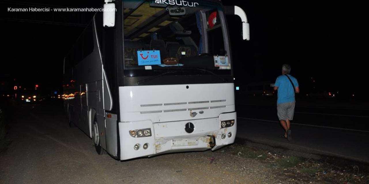 Antalya'da Tur Otobüsü Otomobile Çarptı: 6 Yaralı