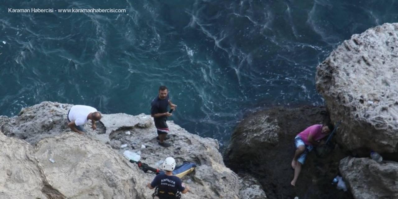 Falezlerde Mahsur Kalan Amatör Balıkçı Kurtarıldı