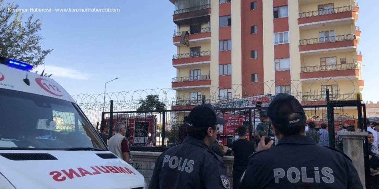 Konya'da Çıkan Yangın Apartman Sakinlerini Sokağa Döktü
