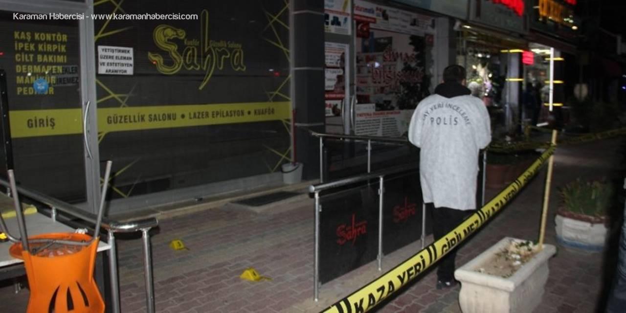 Kavgada Bir Kişi Yaralandı Dükkan Camlarını Sopa Ve Masayla Kırdılar