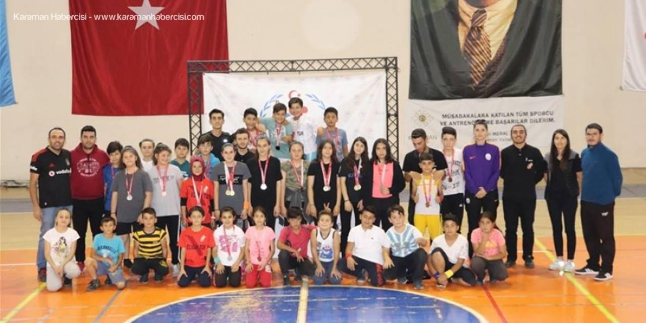 Cumhuriyetin 96.Yılında Karaman'da Badminton Turnuvası