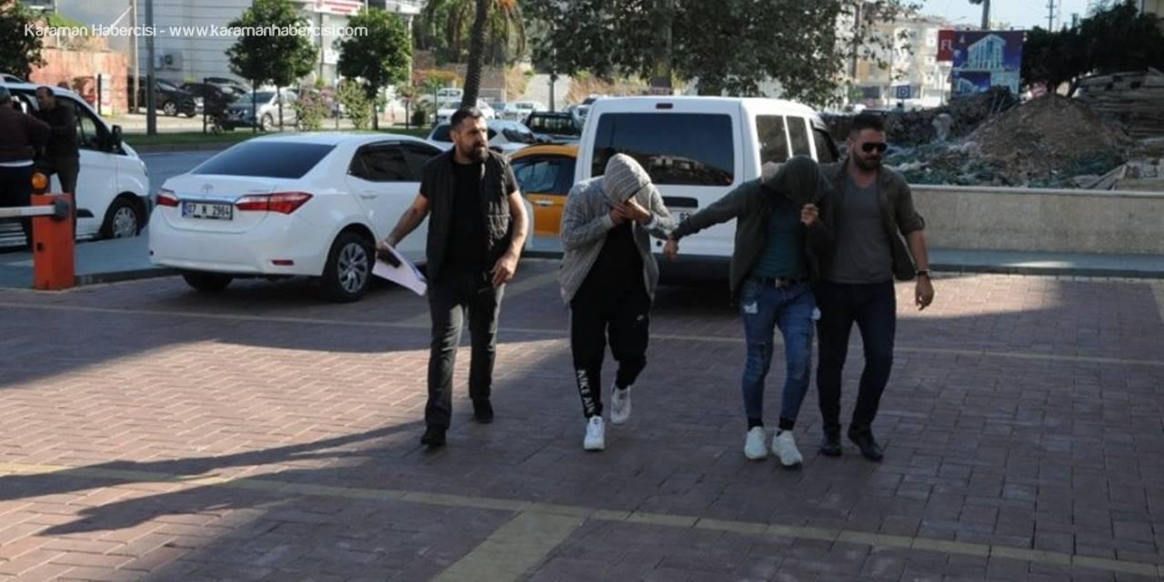 Alanya'da Hapis Cezası Bulunan 2 Hırsızlık Şüphelisi Yakalandı