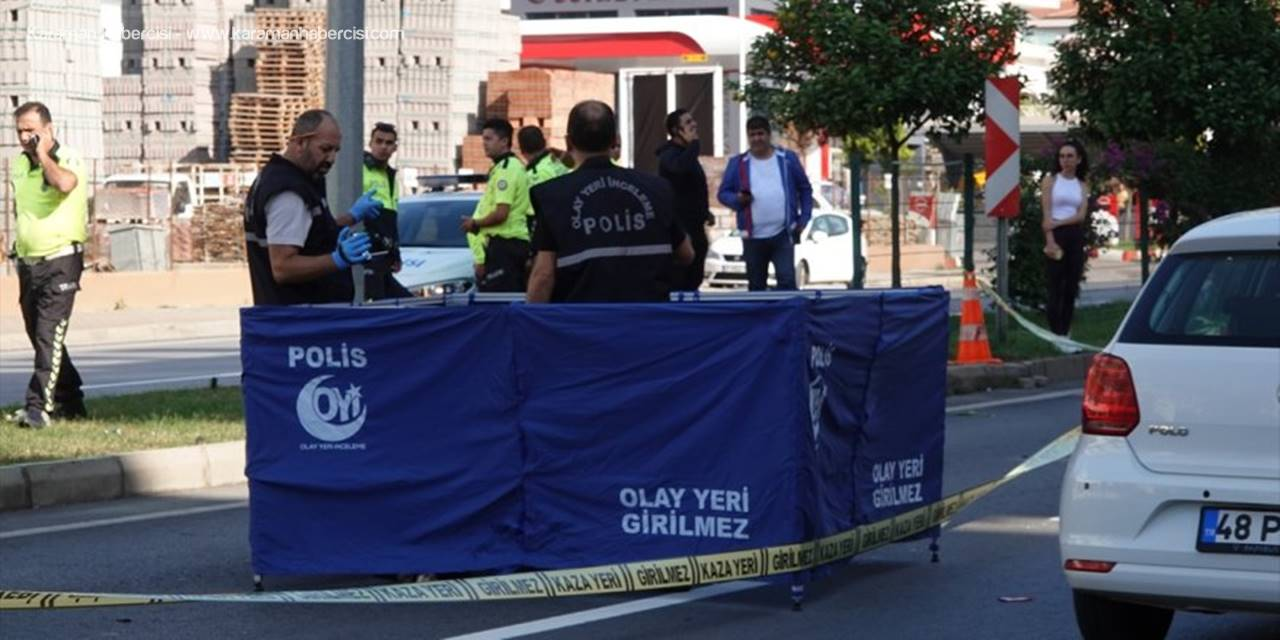 Antalya'da Önce Motosikletin Sonra Otomobilin Çarptığı Kadın Öldü