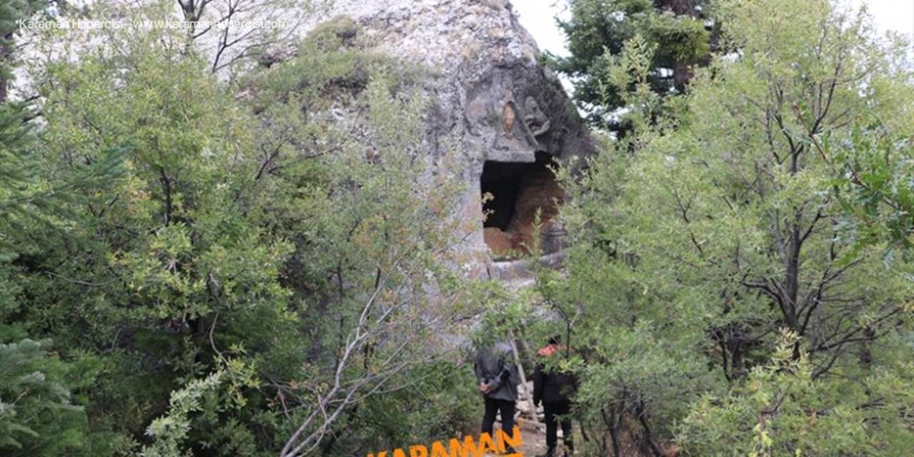 Medusa Figürlü Kaya Mezarları Göktepe'de Ziyaretçilerini Bekliyor