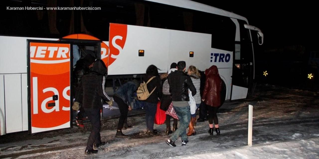 Kayseri'de Yolcu Otobüsü İle Otomobil Çarpıştı: 2 Ölü, 1 Yaralı