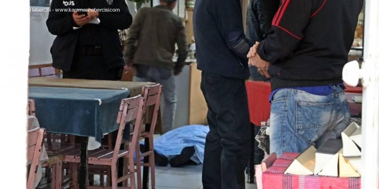 Türk Hal Müziği Sanatçısı Kıraathanede Kalbine Yenik Düştü