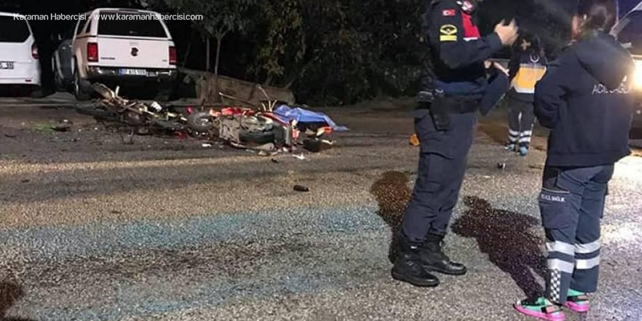 Alanya'da 2 Motosiklet Kafa Kafaya Çarpıştı: 1 Ölü