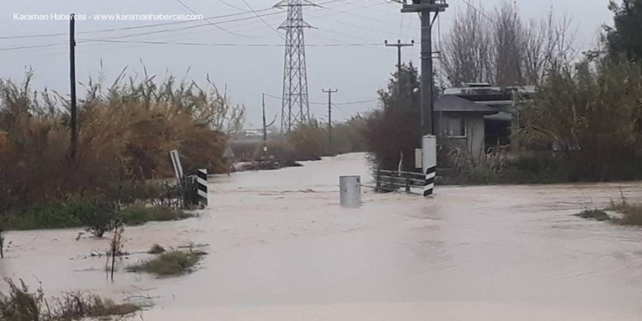 Antalya'da Etkili Yağış Su Baskınlarına Neden Oldu