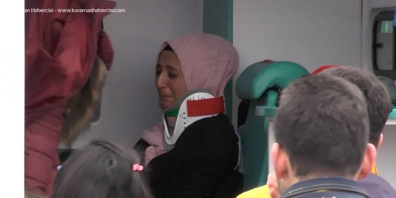 Konya'da Hafif Ticari Araç İle Tır Çarpıştı: 4 Yaralı