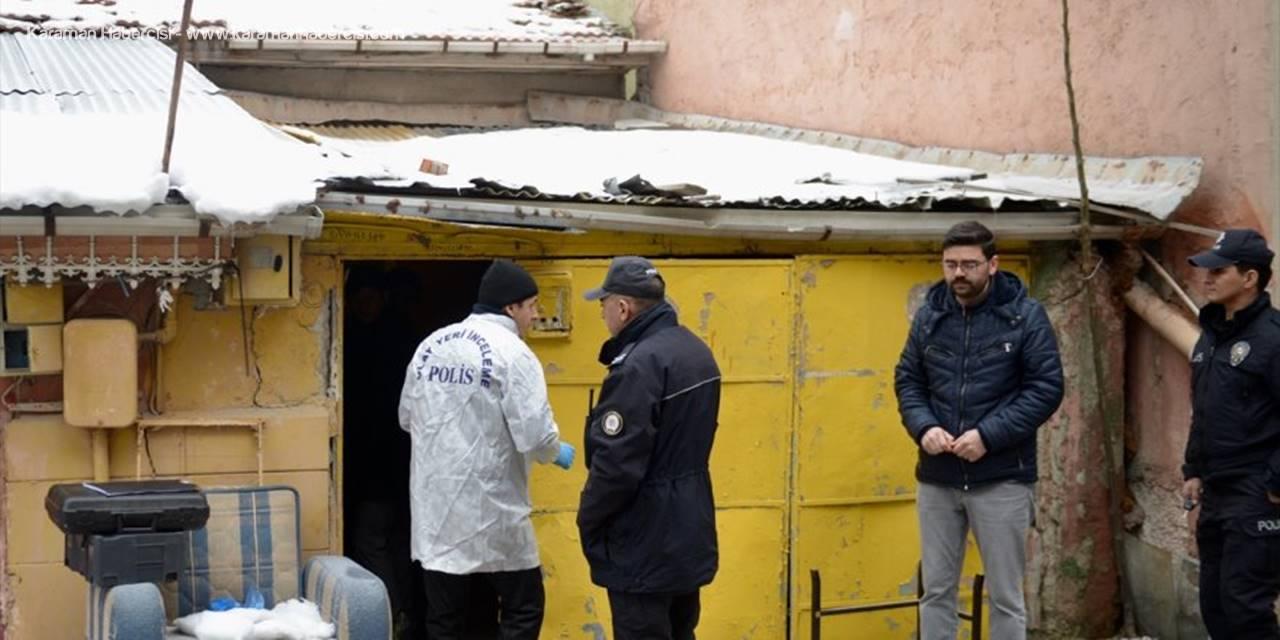Eskişehir'de Emekli Öğretmen Evinde Ölü Bulundu