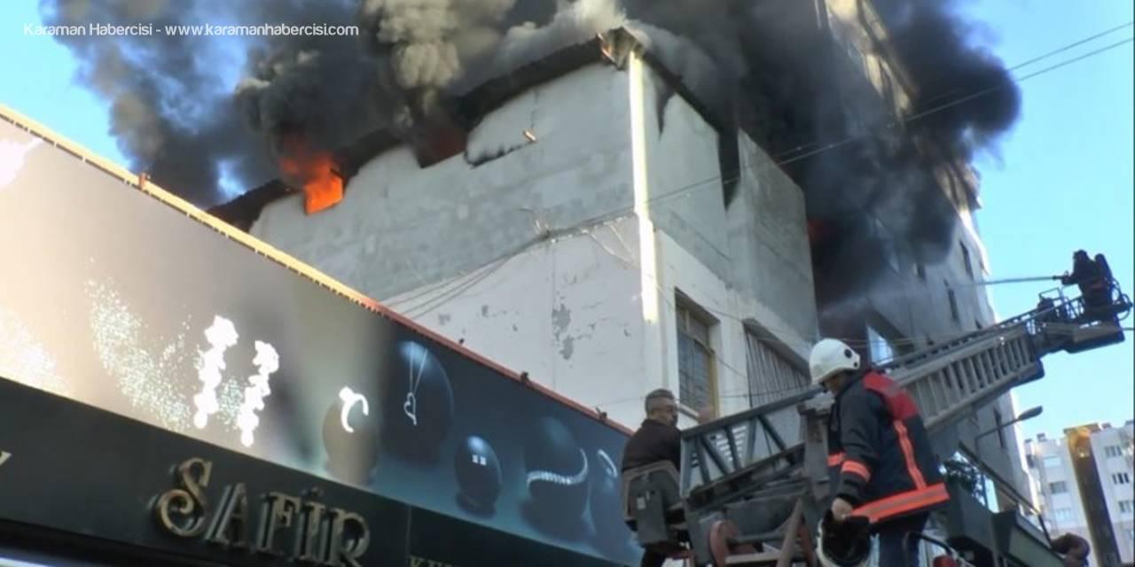 Erdemli'de Yangın Paniği