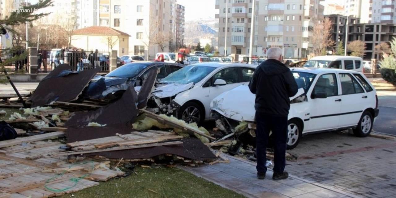 Saatte 110 Kilometre Hıza Ulaşan Rüzgar Kayseri'yi Savaş Alanına Çevirdi