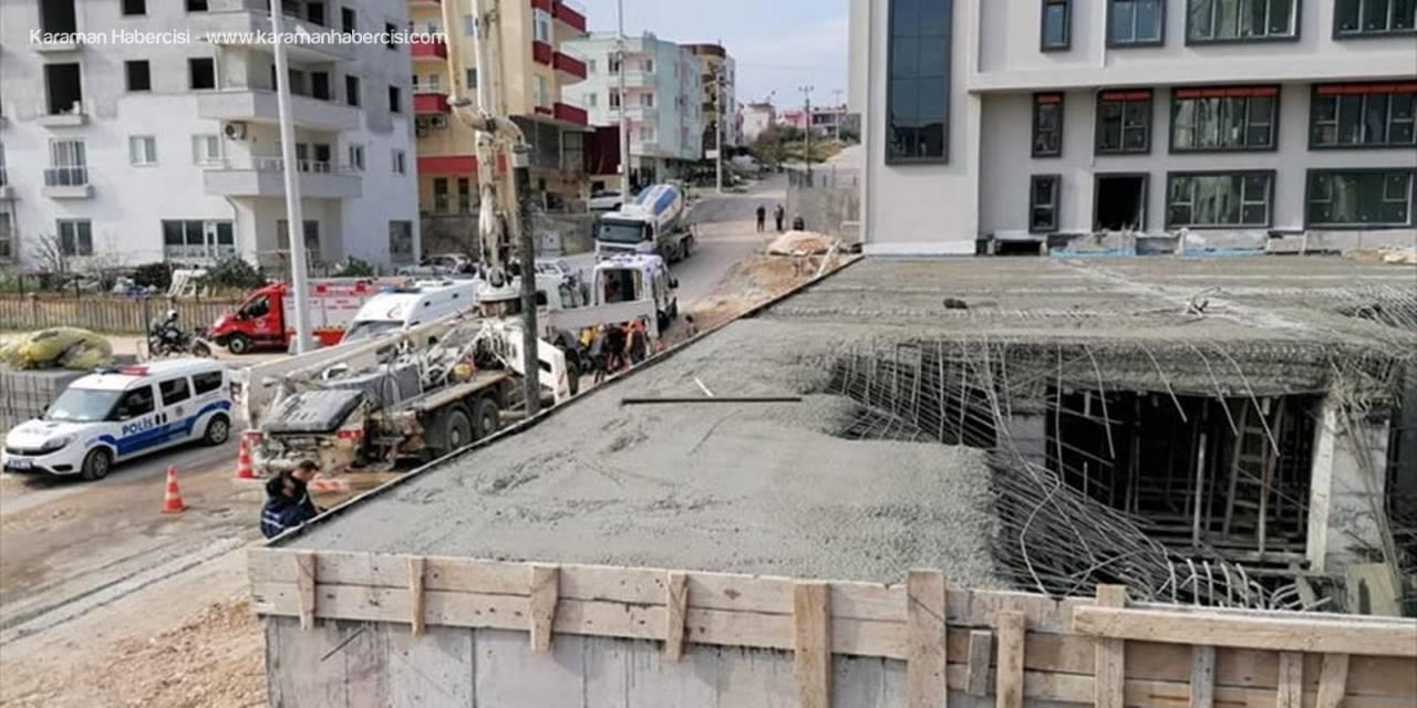 Mersin'de İnşaatta Beton Kalıbı Çöktü: 3 Yaralı