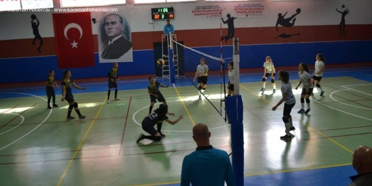 Türkiye Yıldız Kızlar Voleybol Müsabakaları Başladı