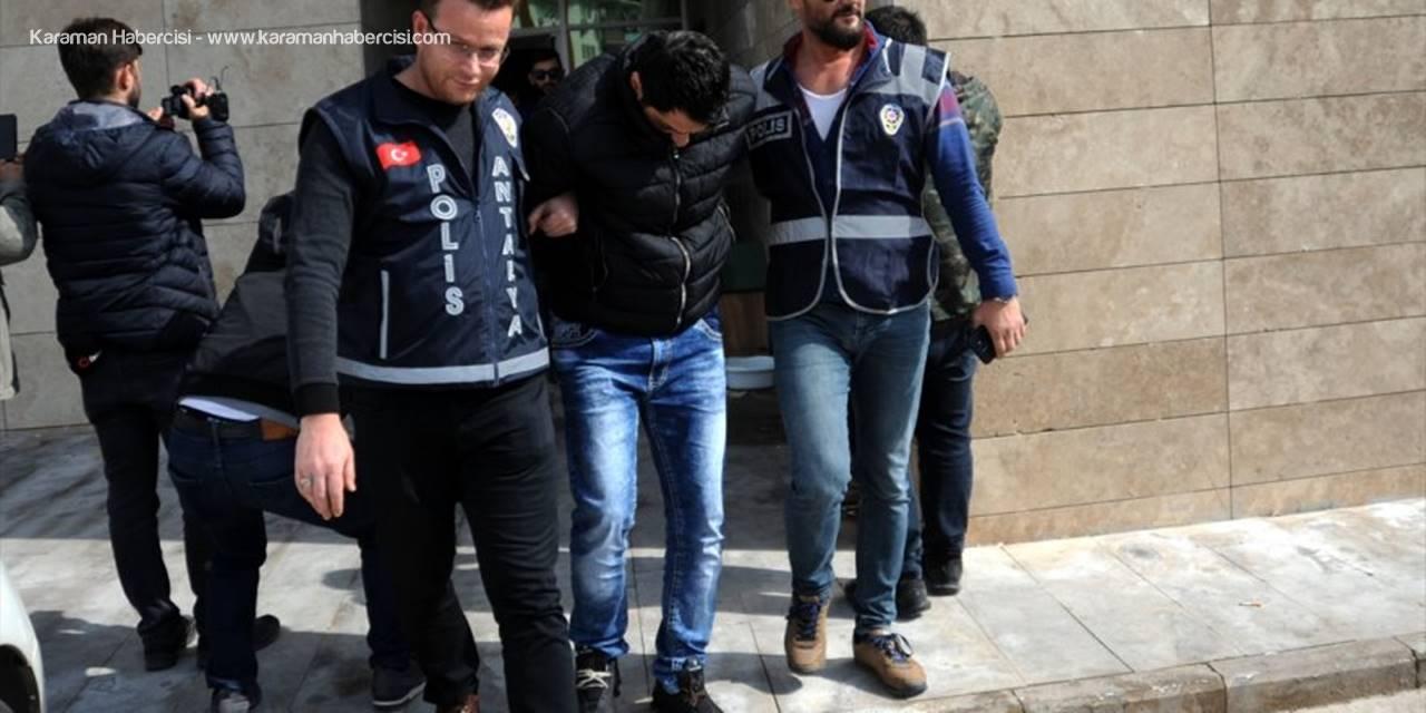 Antalya'da Çelik Kasadan 110 Bin Dolar Çaldıkları İddiasıyla 3 Şüpheli Yakalandı
