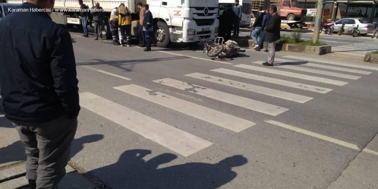 Mersin'de Motosiklet Tırın Altında Kaldı: 1 Ölü