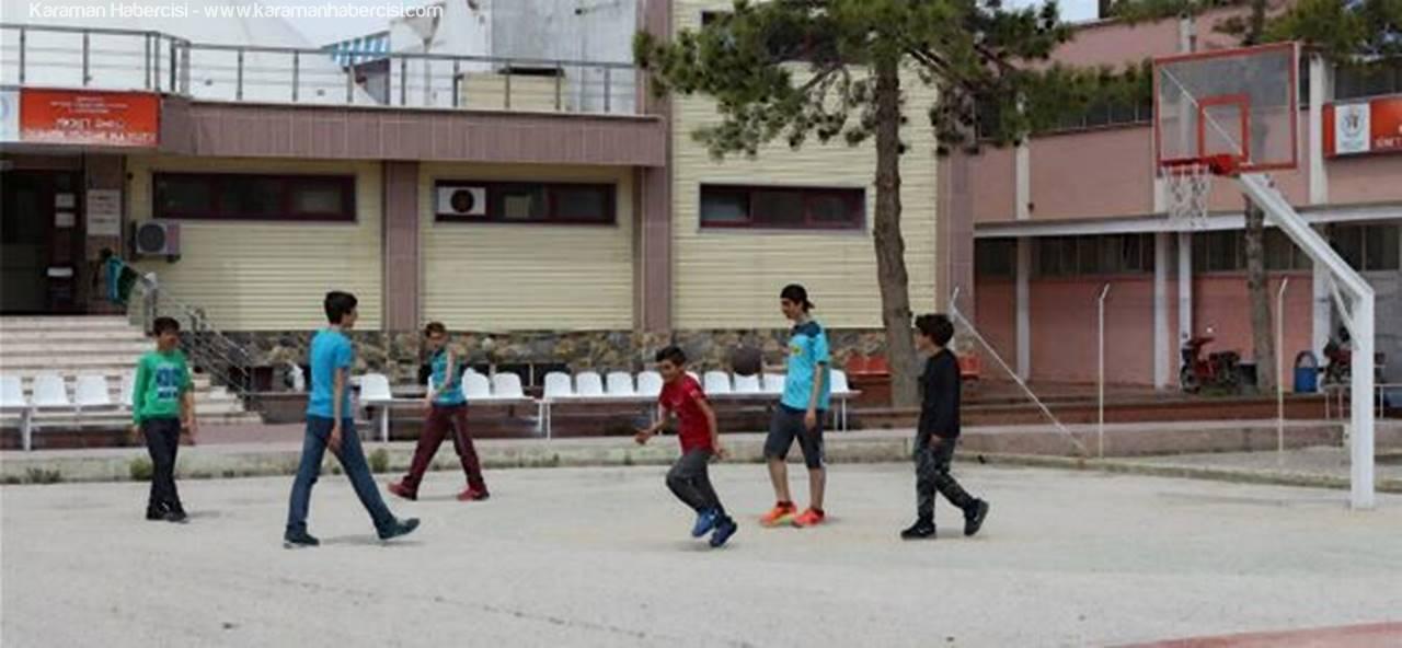Karamanlı Öğrenciler Açık Alan Basketbol Sahasına Yoğun İlgi Gösteriyor
