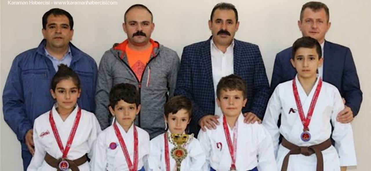 Karamanlı Karatecilerden Kısacık'a Ziyaret
