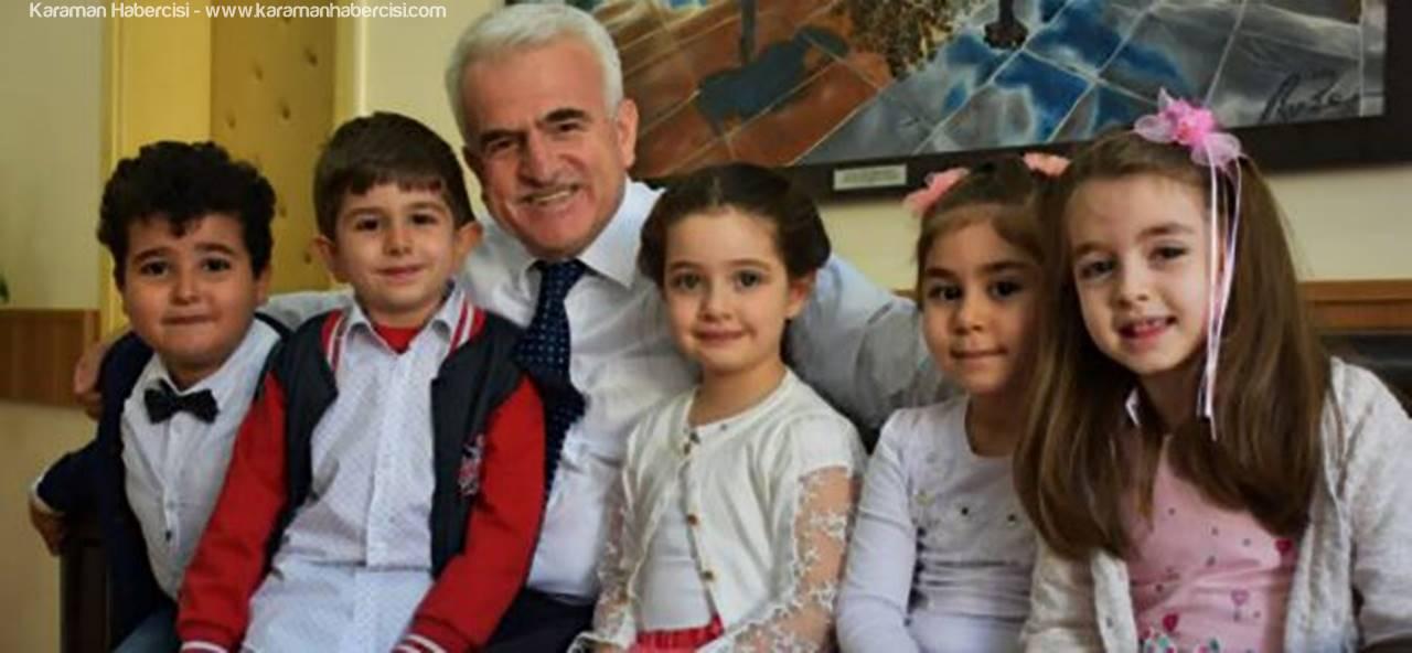 Kuntoğlu'ndan 23 Nisan Ulusal Egemenlik ve Çocuk Bayramı Mesajı