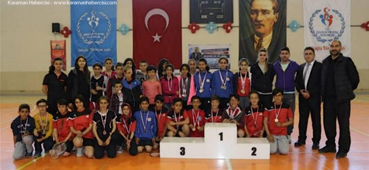 Karaman'da Badminton Ulusal Egemenlik Kupası Sahiplerini Buldu
