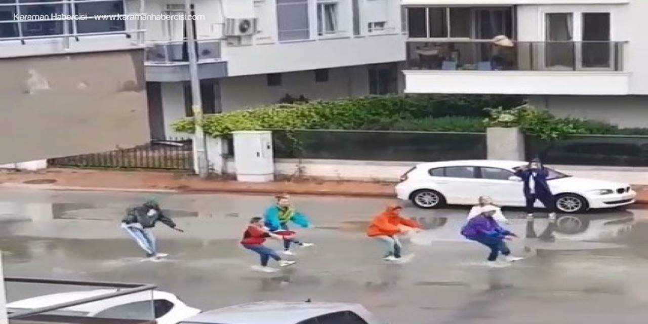 Kısıtlama Dinlemediler Sokak Ortasında Dans Ettiler
