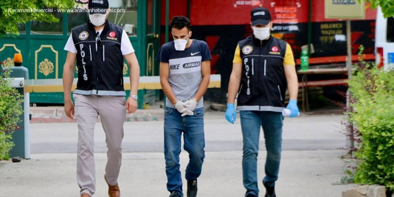 Eskişehir'de Polisten Kaçan Araçtan Çıkanlar Şaşırtmadı