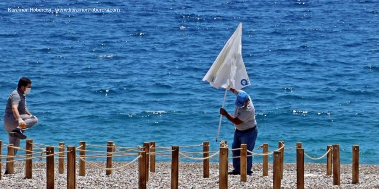 Konyaaltı Sahilinde Hazırlıklar Sürüyor