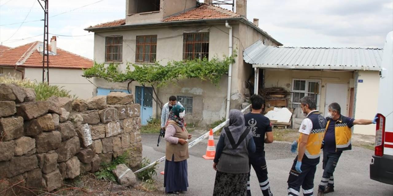 Kayseri'de Çöken Ev Ortaya Mağara Çıkardı