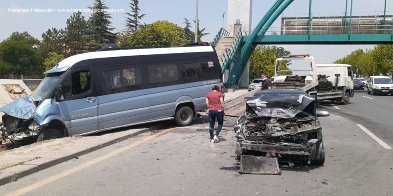 Başkentte minibüs ile otomobil çarpıştı: 3 yaralı