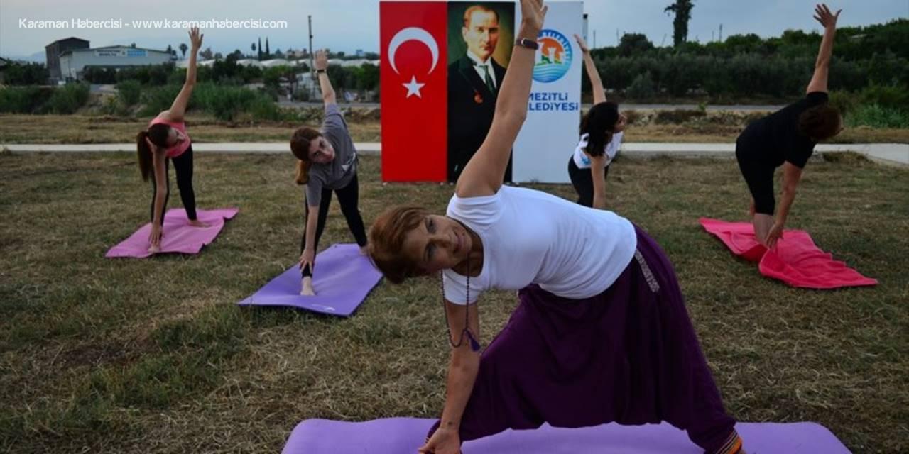 """Mersin'de """"Uluslararası Yoga Günü"""" etkinliği"""