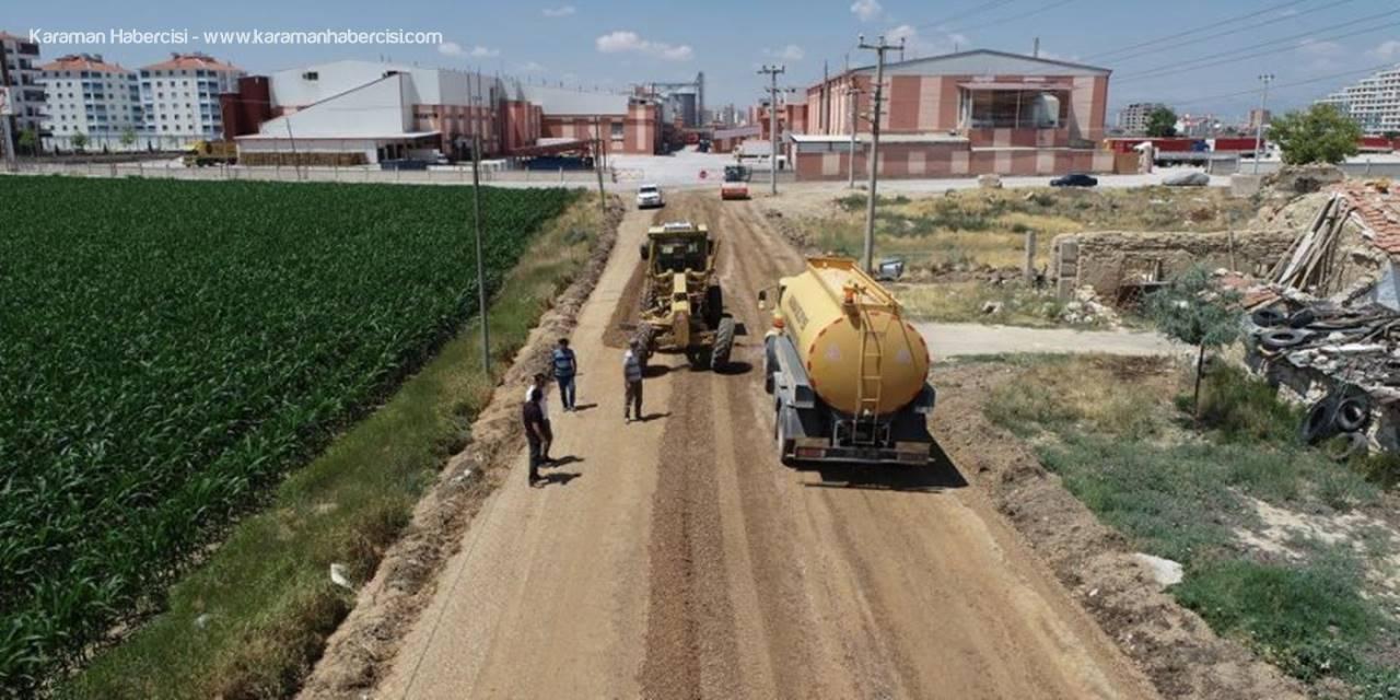 Karaman Belediyesi Ekiplerinin Yol Mesaisi Devam Ediyor