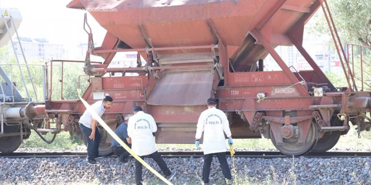 Niğde'de Trenin Çarptığı Vatandaş Hayatını Kaybetti