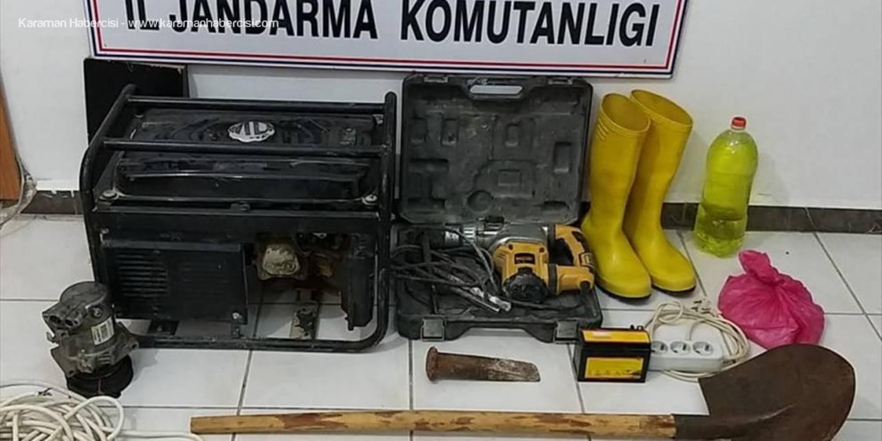 Mersin'de Kaçak Kazı Yapan 4 Zanlı Suçüstü Yakalandı