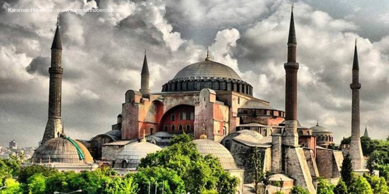 Ayasofya'da İbadetin Önü Açıldı