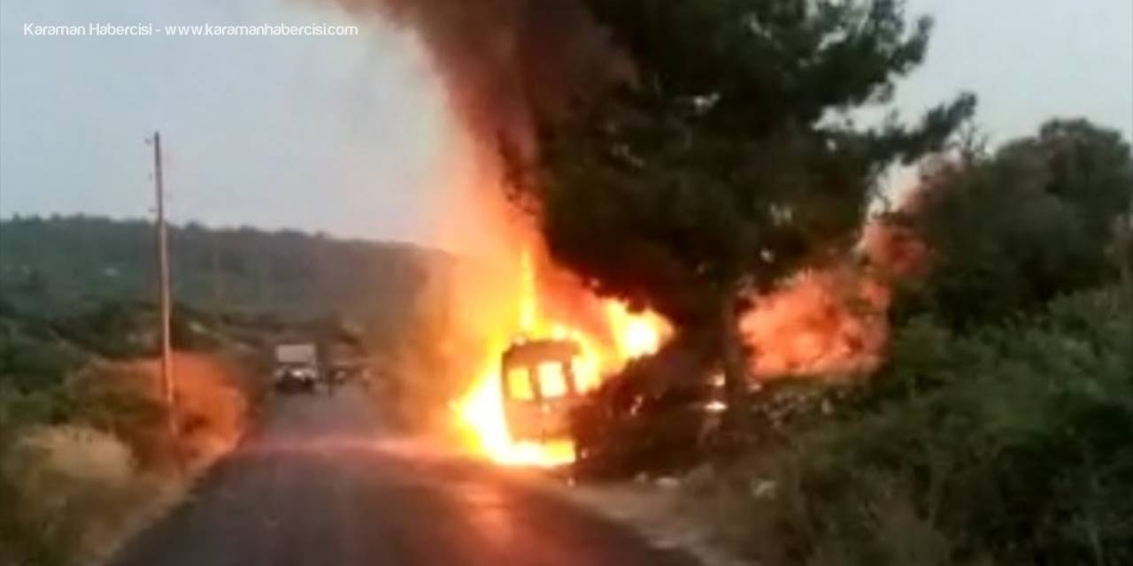 Mersin'de Seyir Halindeki Minibüs Yandı