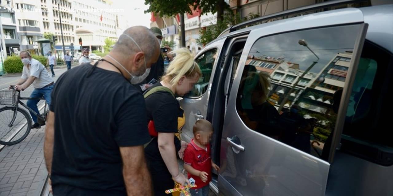 Eskişehir'de Yol Ortasında Yaşanan Şiddet Sonrası Çocuk Koruma Altında