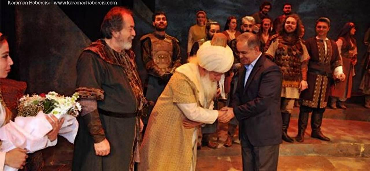'Jennifer'ın Düğünü/Osman Gazi' Karamanlı Tiyatro Severlerle Buluştu