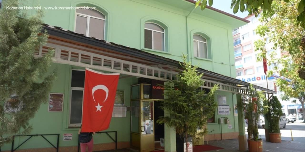 Eskişehir'de Kovid-19 Teşhisi Konulan Cami İmamı Ve Ailesi Tedavi Altına Alındı